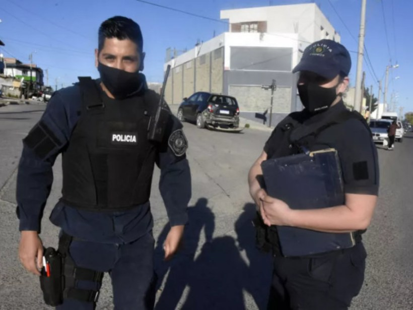 """policías """"héroes"""" (Crónica)"""